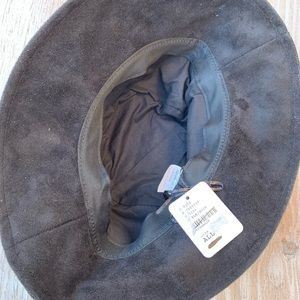 88f81f5bc8a Free People Accessories - NWT FREE PEOPLE Black Haven Vegan Suede Bucket Hat